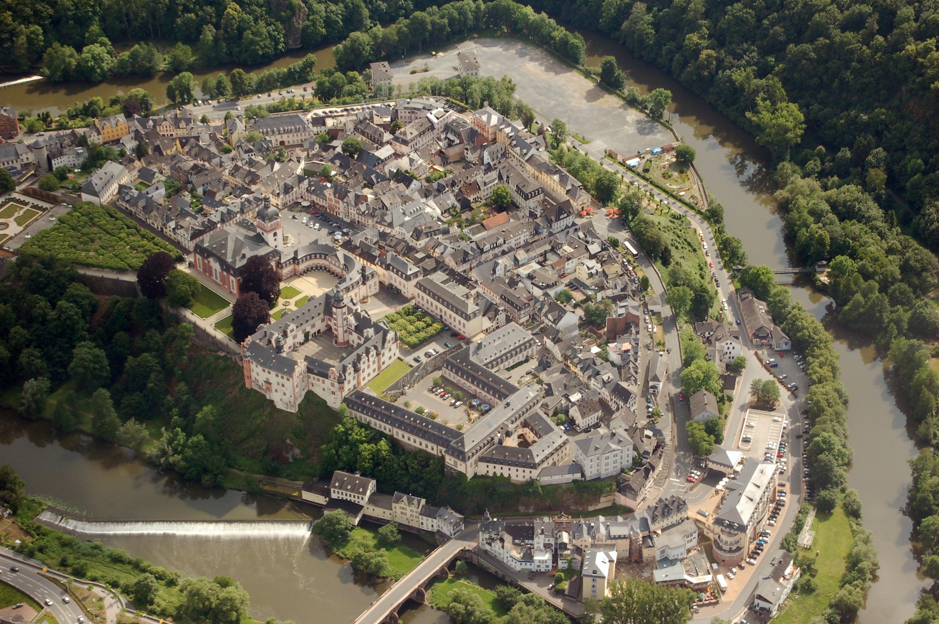 Luftbild von Weilburg. Die Bildrechte gehören Fritz Geller-Grimm.