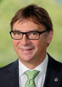 Der Kirchenpraesident des Evangelischen Kirche von Hessen-Nassau, Volker Jung (Foto vom 01.05.2015)